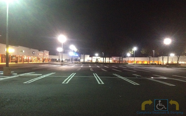 sealcaot parking lot striping img